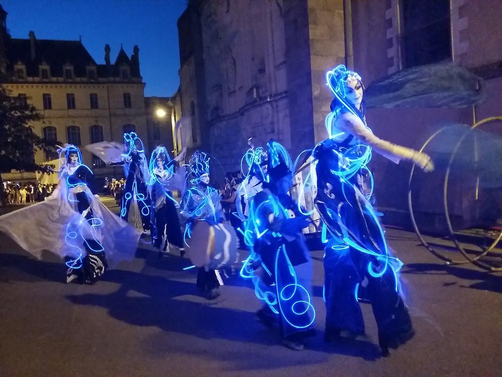 Costume lumineux fibre optique