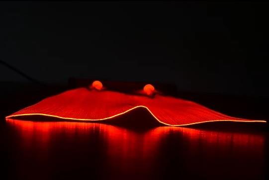 Les nouvelles technologies lumineuses I MIDLIGHTSUN I Spécialiste en fibre optique lumineuse et tissus lumineux - fabrication française I