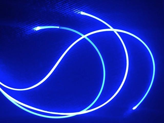 Câble_fibre_optique_diffusant_4_edited