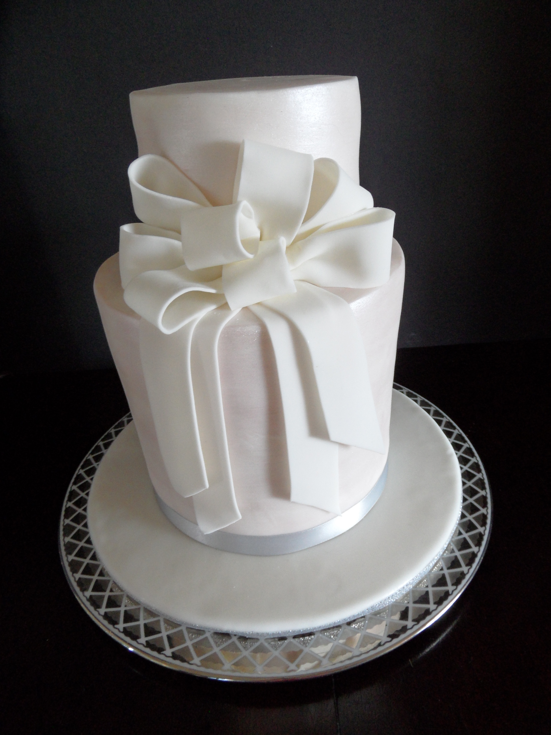 Pearlescent Anniversary/Wedding Cake
