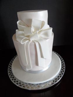Pearlescent Anniversary/Wedding Cake