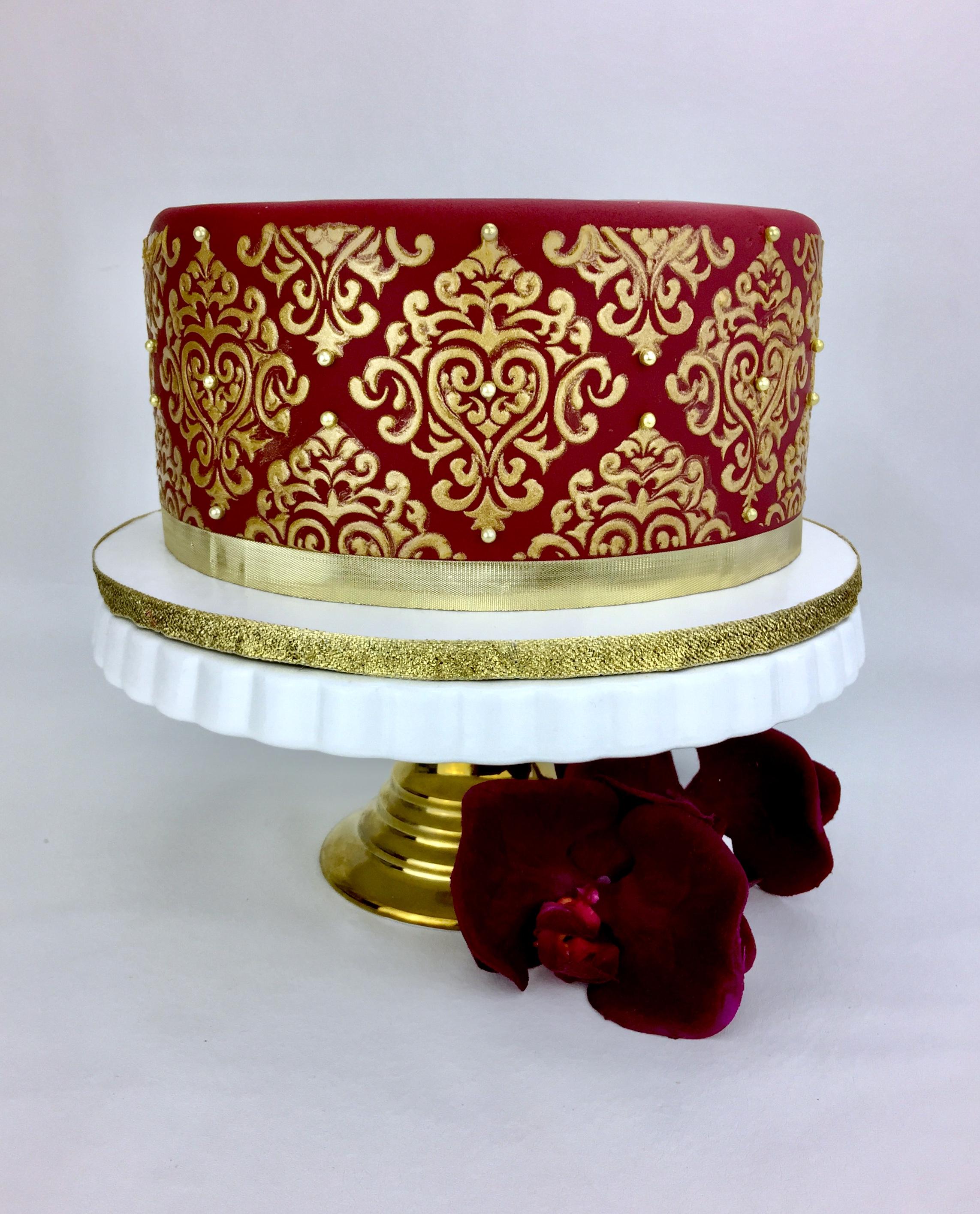 Gold Dammask Cake