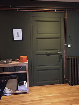 VA Décoration - Entrée appartement décoration mur vert