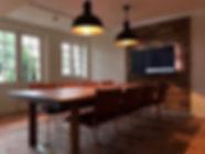 VA Décoration - Décoration salle de réunion bois cuir