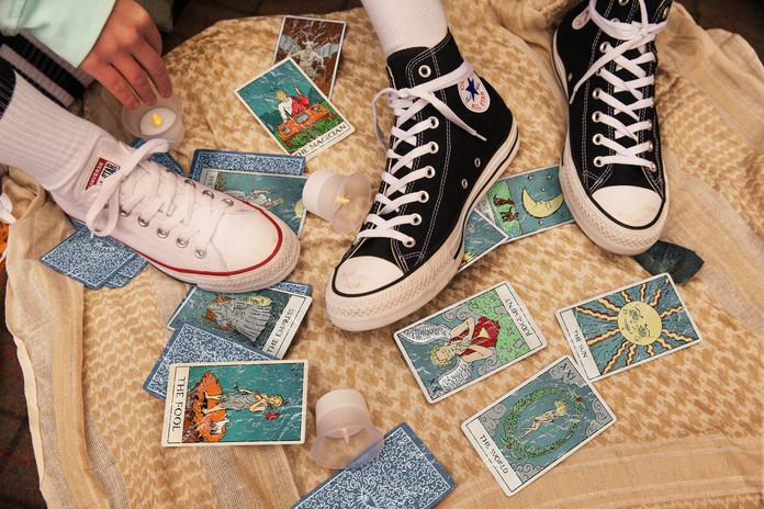ALL THE STORIES ARE TRUE Vyšperkuj si Converse Chuck Taylor tenisky na blížící se letní festivaly 23