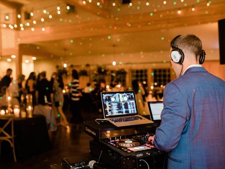 To Hire a Wedding DJ or To Hire a Wedding DJ