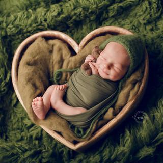 me_newborn_04.jpg
