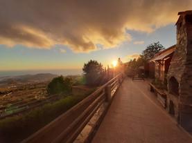 Sonnenuntergang auf der Terasse