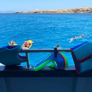 life vests swim stop cirque de la nuit i
