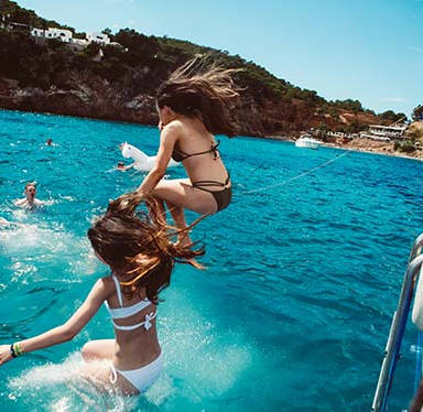jump off boat.girls.jpg