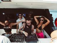 Djs at ibiza boat Club
