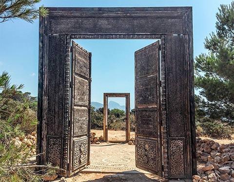 Puertas de Cala Llentia Ibiza