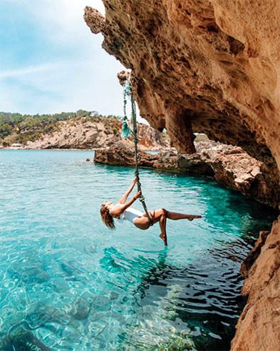Instagram Swing in Cala Xarraca Ibiza