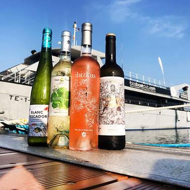 wine tasting on the ibiza boat club.jpg