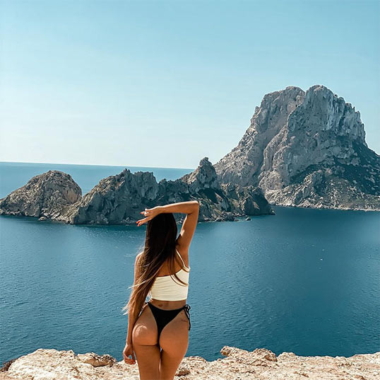 Instagram picture of girl posing with Es Vedra