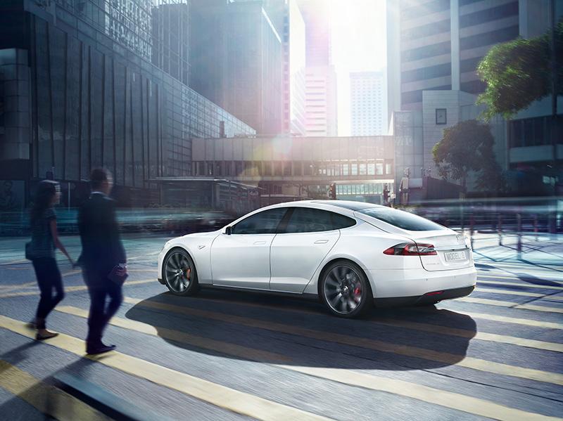 ICON_Tesla-Model-S-047_motion_PEOPLE_Final_RGB