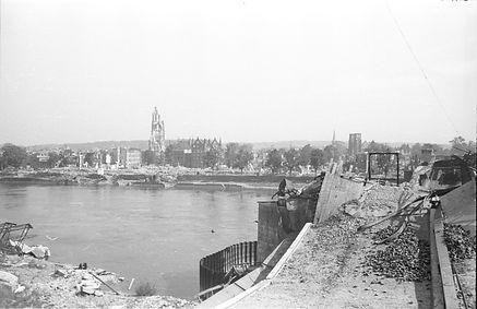 Arnhem in de oorlog.jpg