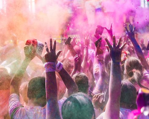 Menschen bei Farb Run