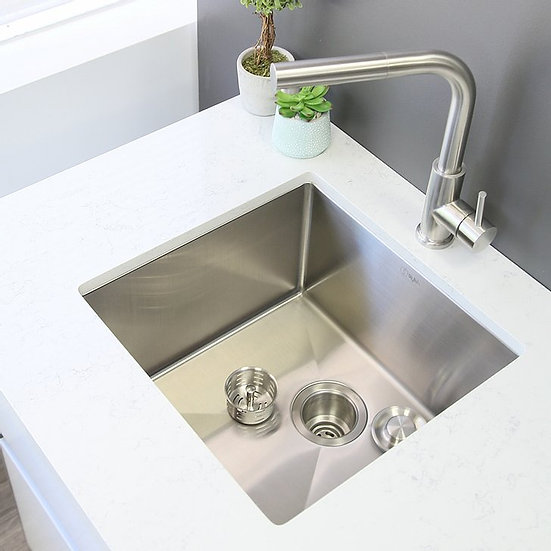 19 in Single Bowl Kitchen Sink, 16 Gauge Stainless Steel with Grid and Basket St