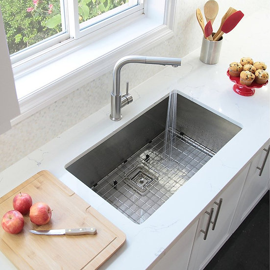 30 in Single Bowl Kitchen Sink, 16 Gauge Stainless Steel with Grid and Square St