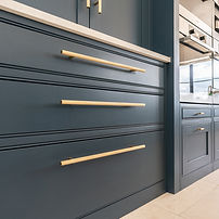 brass-bar-handle-example-classic-shaker-