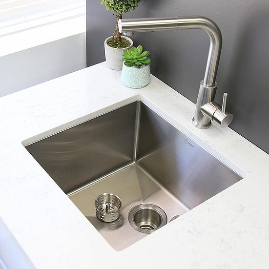 25 in Single Bowl Kitchen Sink, 16 Gauge Stainless Steel with Grid and Basket St