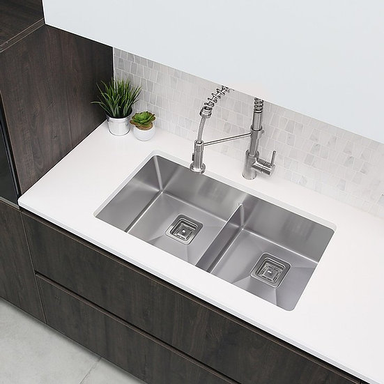 33 in Double Bowl Kitchen Sink, 16 Gauge Stainless Steel with Grids and Square