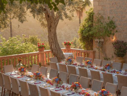 Smart Friends Take A Trip To Mallorca