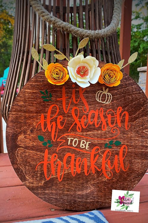 Round hand painted Tis the Season wood sign