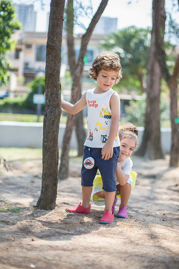 felix & mina boy's beepbeep T-shirt with  car prints and removable sleeves