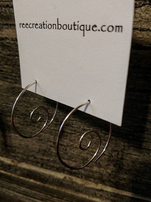 Small Round About Hammered Earrings