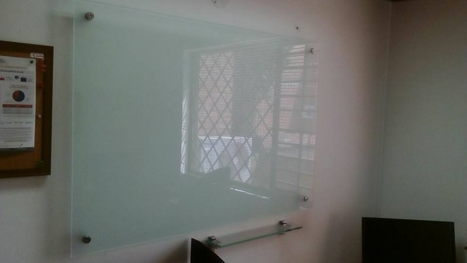 Tablero en vidrio opalizado