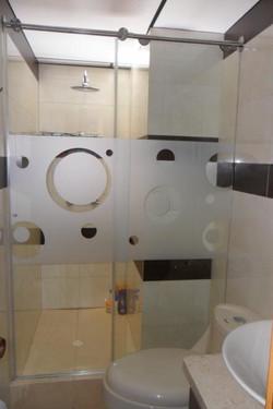 División de baño Glassvit opalizada