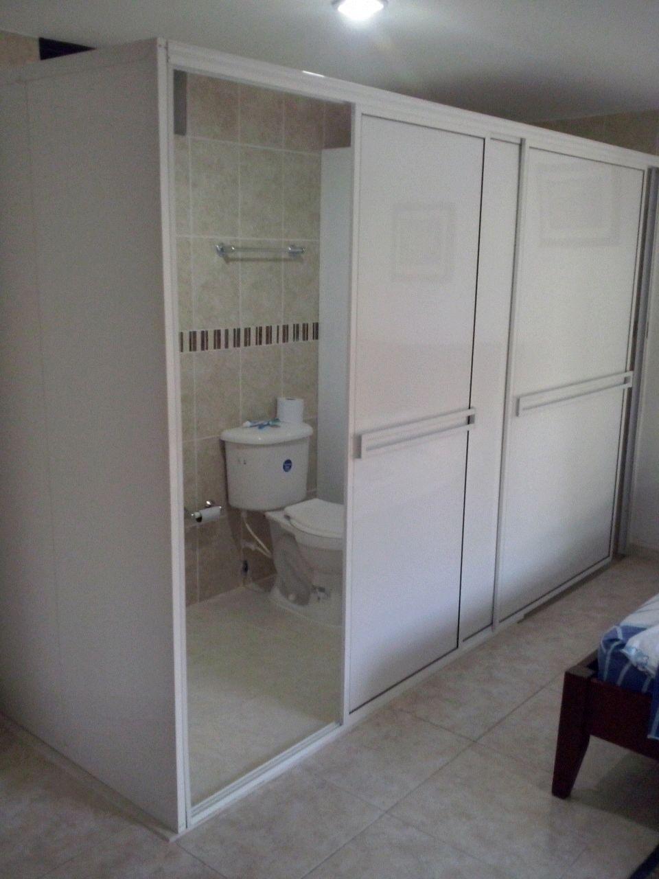 División de baño en aluminio blanco