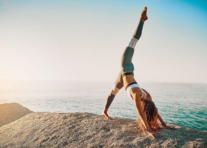 Yoga Fitness Sport Community Sessions in der Gruppe mit motivierten Mitsportlern in Köln Bonn und Berlin