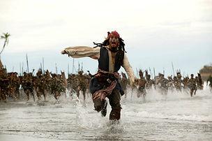 18--piratas-del-caribe_-el-cofre-del-hom