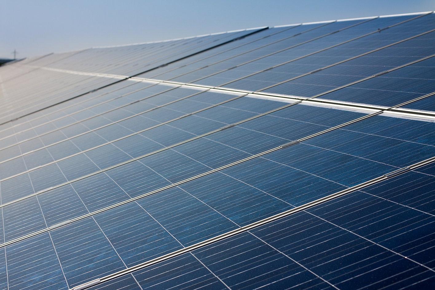 solar-cells-191687_1920.jpg