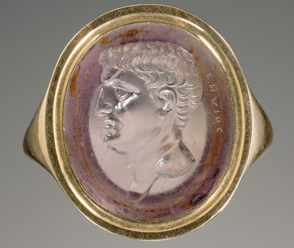 Amethyst intaglio depicting Mark Antony, set in a gold ring.