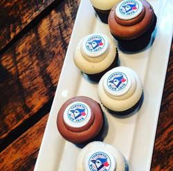 logo cupcakes toronto blue jays