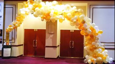 Organic Champagne Balloon Arch