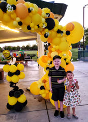 Bee Themed Birthday Balloon Decor
