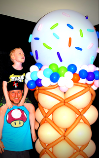 Ice Cream Balloon Column