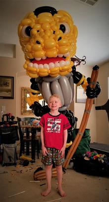Extra Large Vegas Golden Knights Chance Balloon Sculpture