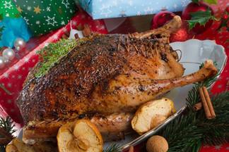 От жареного гуся до рисовых пончиков: топ-5 рождественских блюд