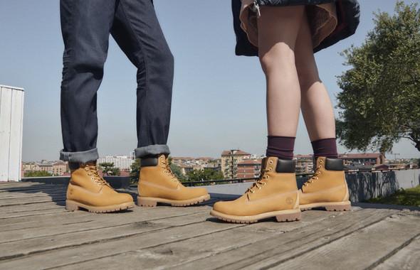 Trouvez des Boots pour Femme Timberland 6-inch en cuir nubuck blé