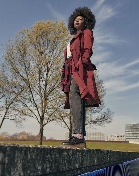 Inna Modja est une musicienne, auteur-compositrice et activiste écologiste.