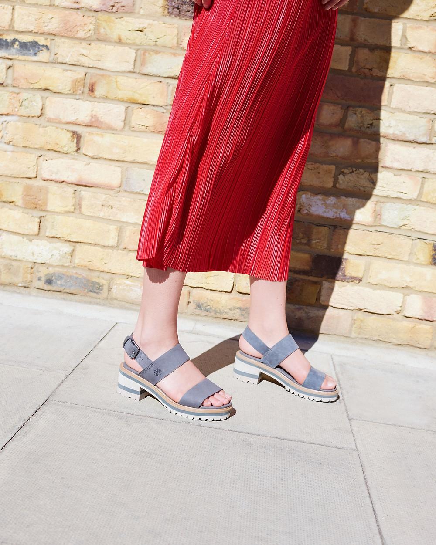 Découvrez les Nu-pieds pour Femme Timberland Violet Mars 2 Band Sandal en cuir nubuck taupe