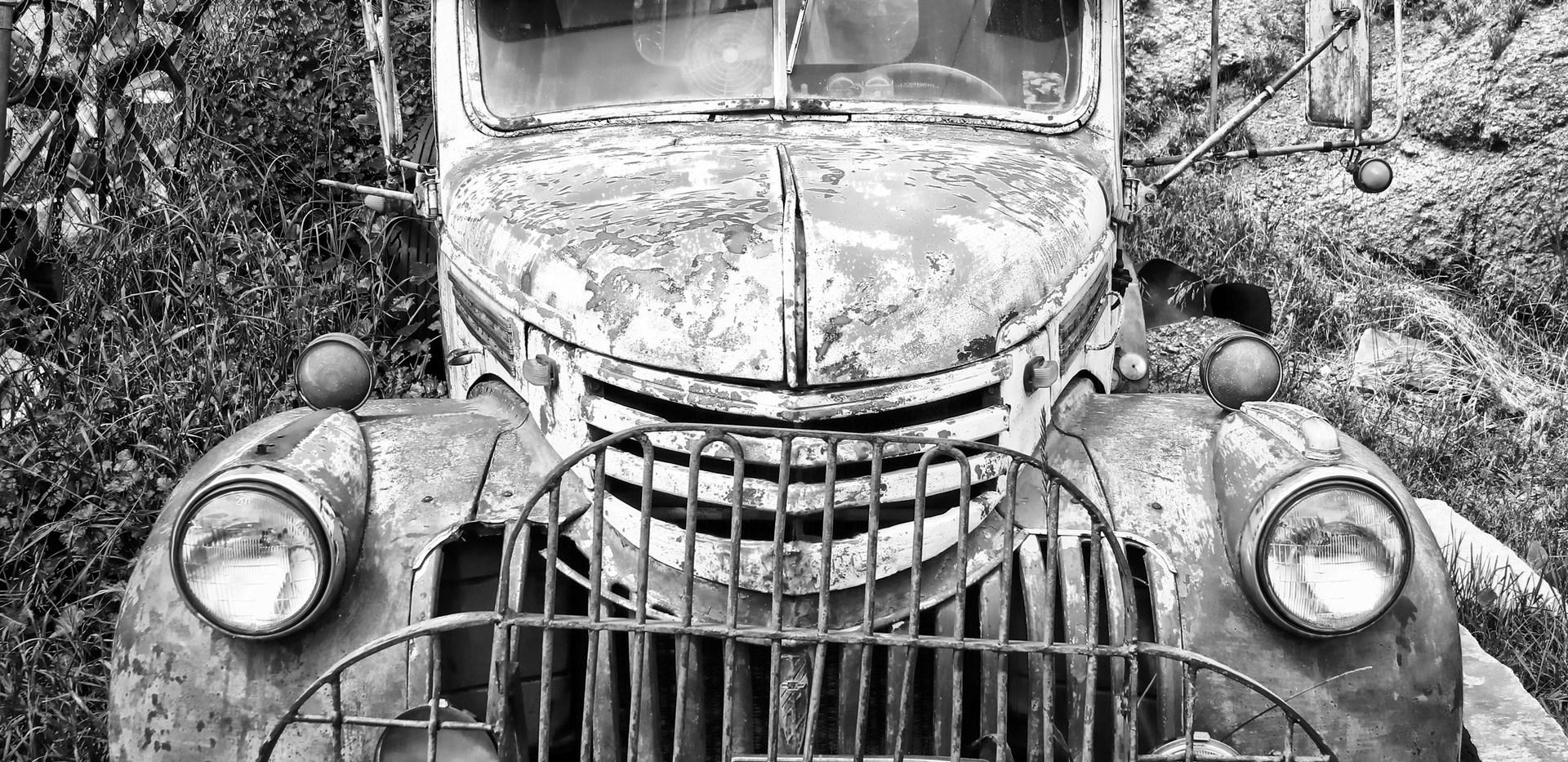 old truck in bw 2.jpg