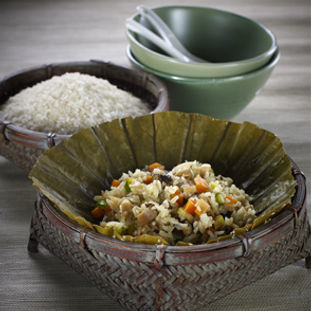 Vegetable Fried Rice Wrapped in Lotus Leaf
