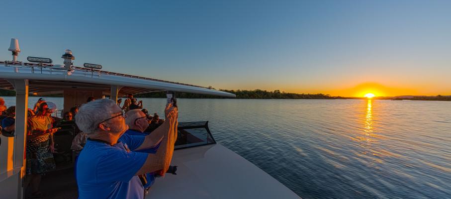 JJJ-Sunset-Photos-Tim-Lanzon.jpg